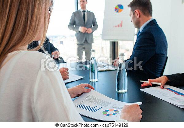 personas empresa, reunión - csp75149129