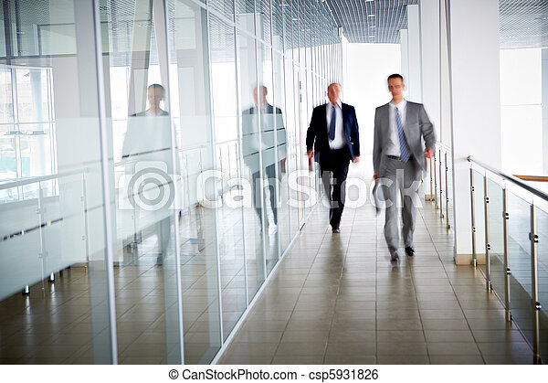 personas oficina - csp5931826