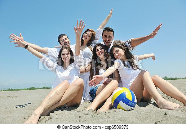personengruppe, junger, haben spaß, sandstrand, glücklich - csp6509373