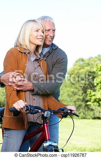 personne agee, cyclist., couple, heureux - csp11926787