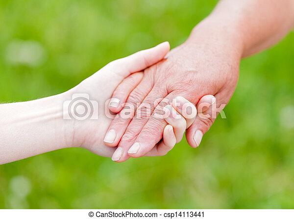 personnes âgées soucient - csp14113441