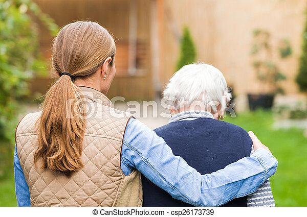 personnes âgées soucient - csp26173739
