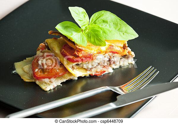 peru, lasanha, carne picada, tomates - csp6448709