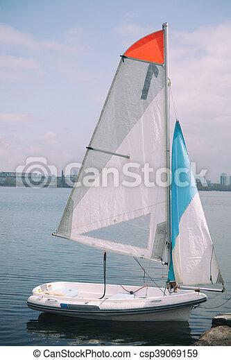 Petit Bateau Voile Petit Amarre Nautisme Yacht Rivage Canstock