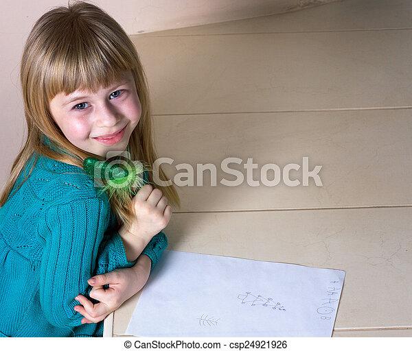 petite fille, dessin - csp24921926