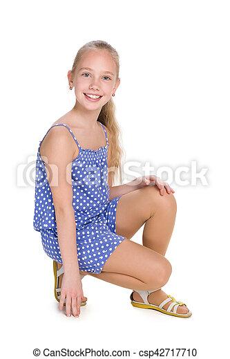 peu, assied, girl, heureux - csp42717710