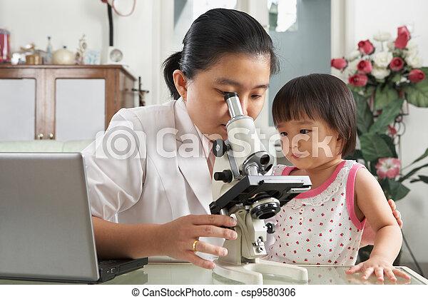 peu, elle, distraire, maman, girl, essayer, concentration - csp9580306