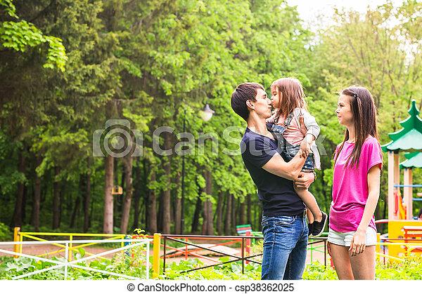 peu, elle, donner, baiser, girl, papa - csp38362025