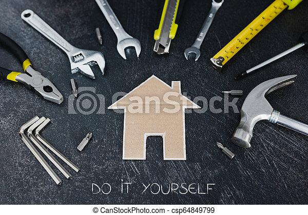 peu, ensemble, maison, bricolage, maison, carton, outils, rénovation - csp64849799