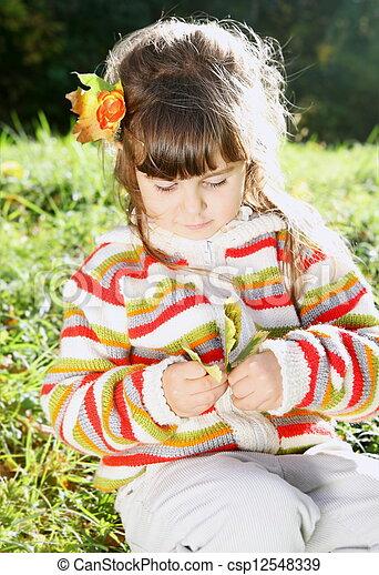peu, ensoleillé, automne, dehors, girl, jour - csp12548339