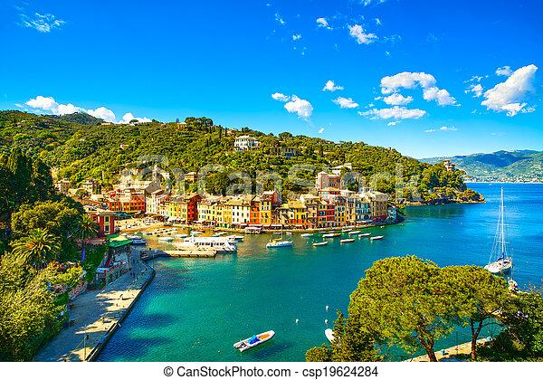 peu, harbor., aérien, liguria, portofino, yacht, baie, panoramique, luxe, village, repère, italie, vue. - csp19624284