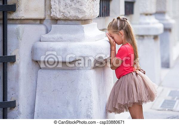 peu, peau, paris, rue, dehors, girl, chercher, jouer - csp33880671