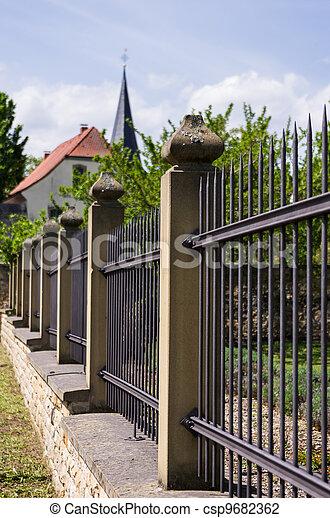 Pfeiler, Sandstein, Eisenzaun Stockfoto - Bilder Und Foto-Clipart
