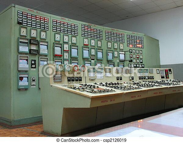 Schalttafel an Elektrokraftwerk - csp2126019