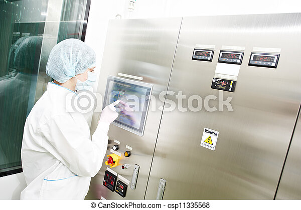pharmaceutical factory worker - csp11335568