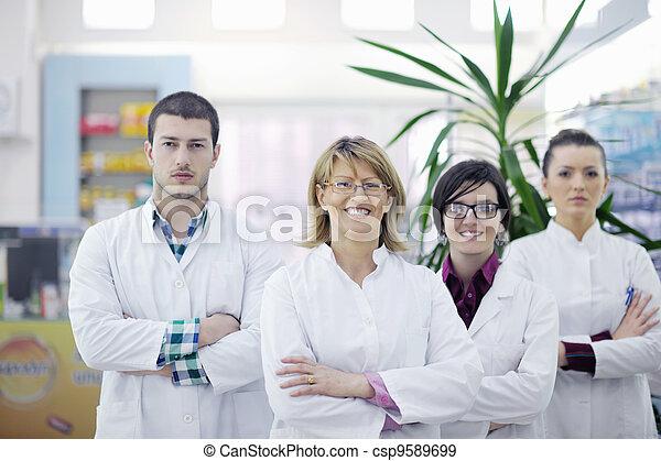 pharmacy drugstore people team - csp9589699