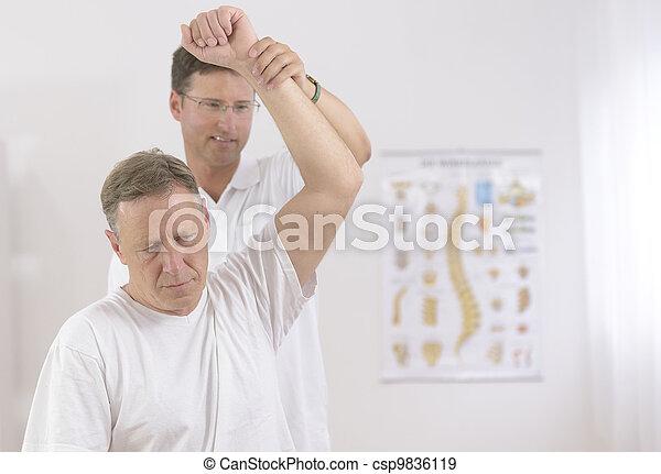 physiotherapy:, älterer mann, physiotherapeut - csp9836119