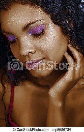 piękna kobieta, afrykanin - csp5586734