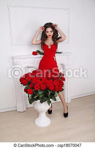 c11b6a347369ea piękna kobieta, bukiet, nowoczesny, róże, izba, brunetka, sexy, wewnętrzny