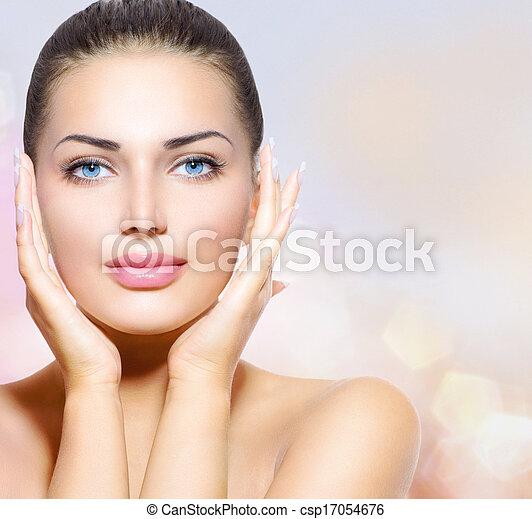 piękna kobieta, jej, piękno, twarz, dotykanie, portrait., zdrój - csp17054676