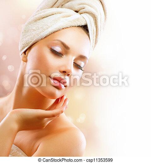 piękna kobieta, jej, po, młody, wanna, girl., dotykanie, zdrój, twarz - csp11353599