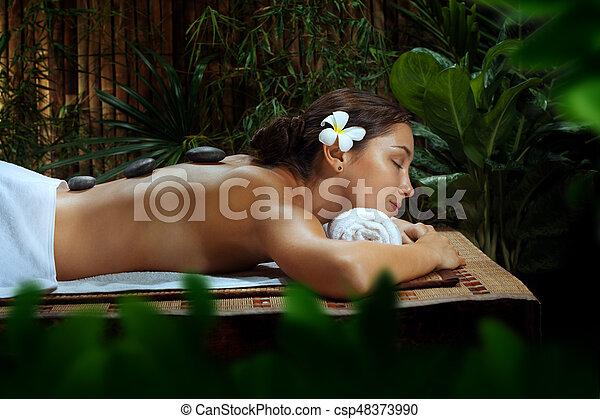 piękna kobieta, młody, środowisko, portret, zdrój - csp48373990