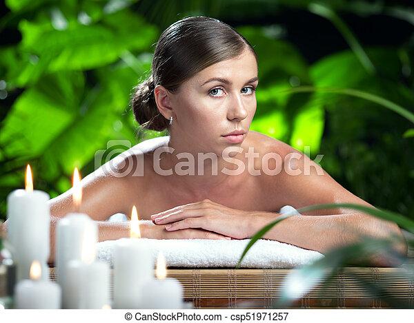 piękna kobieta, młody, environment., portret, zdrój - csp51971257