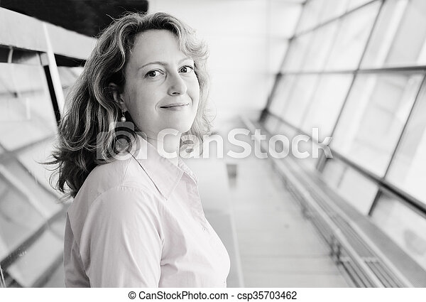 piękna kobieta, stary, 35, lata, portret - csp35703462