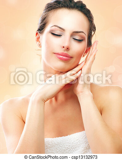 piękny, jej, po, wanna, dotykanie, zdrój, woman., twarz, dziewczyna - csp13132973