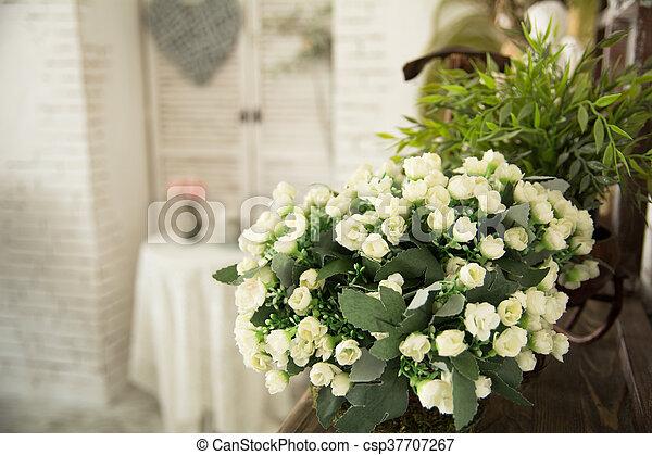 Fiori Bianchi In Vaso.Piccolo Interio Fiori Bianchi Vaso Romantico Paese House