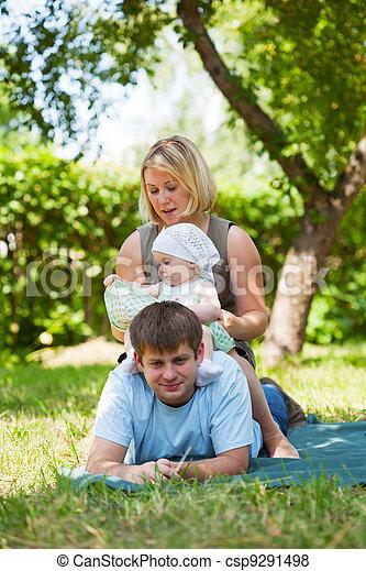 picnic, parque, teniendo, familia  - csp9291498