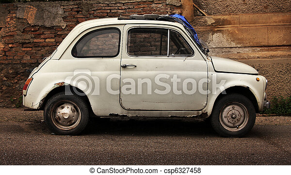 Picture of a old car in Cuba - csp6327458