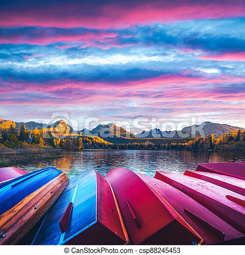 Picturesque autumn view of lake Strbske pleso in High Tatras National Park - csp88245453