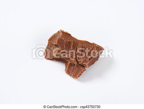 piece of milk chocolate - csp43750730