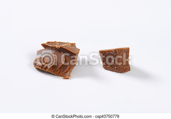 pieces of milk chocolate - csp43750779