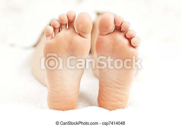 piedi, rilassato, nudo - csp7414048