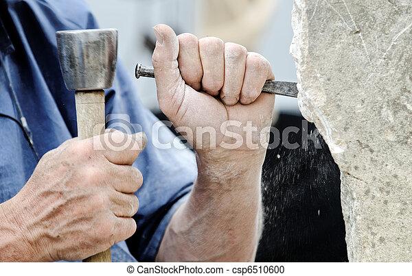 Escultor de piedra - csp6510600