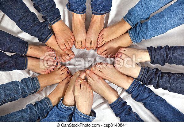 pieds, cercle, filles, formulaire - csp8140841