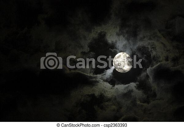 pieno, nubi, misterioso, cielo, contro, luna, nero, notte, bianco - csp2363393