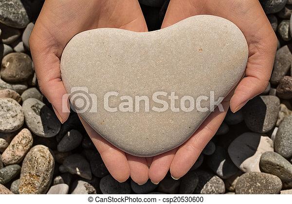 pierre, forme coeur, tenue, femelle transmet - csp20530600