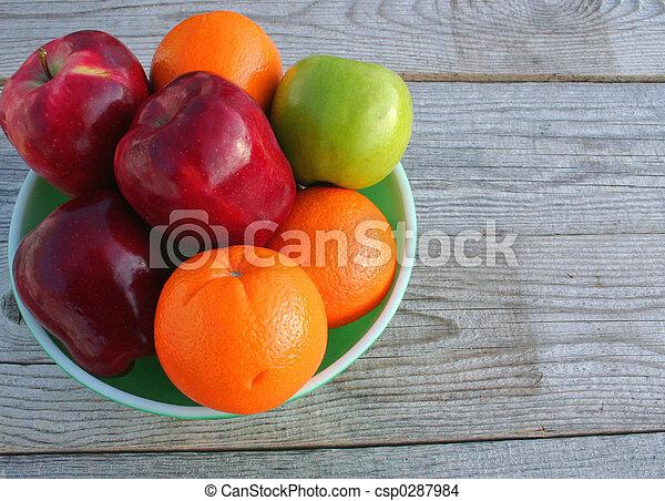 Pile Of Vitamins 2 - csp0287984