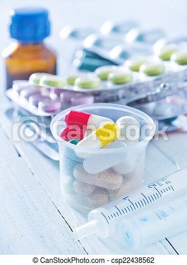pills - csp22438562