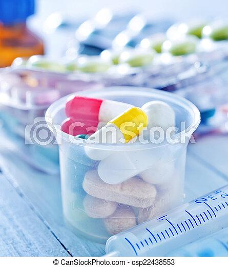 pills - csp22438553