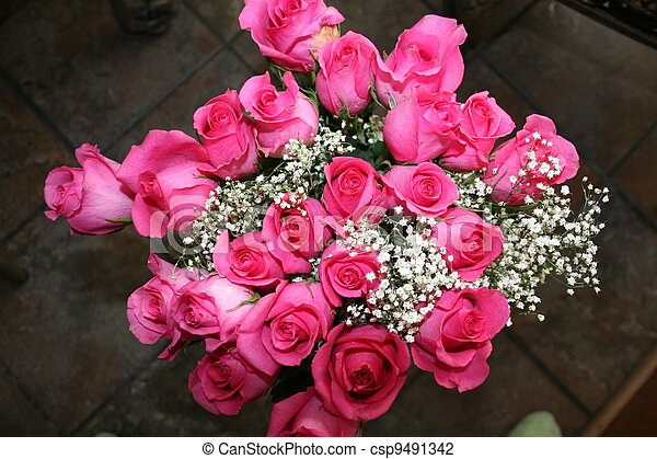 Pink Roses With Baby S Breath Pink Roses Bouquet Mixed