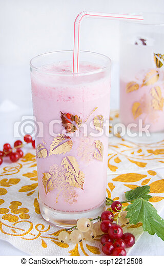Pink smoothie with fresh berries - csp12212508