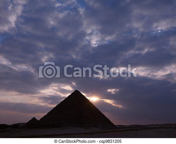 piramide, egyptisch - csp9831205