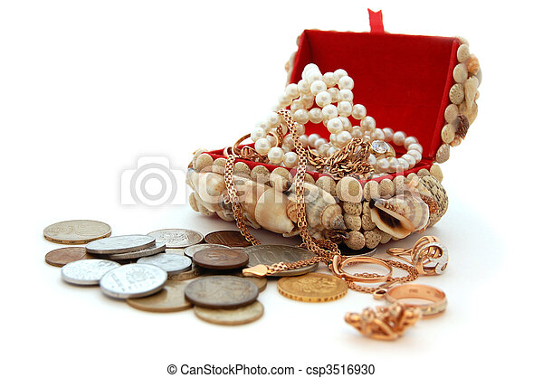 Pirate\'s treasure chest with jewelry - csp3516930
