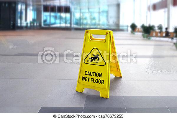 piso mojado, señal, resbaladizo, precaución, edificio - csp76673255