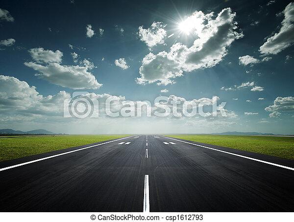 pista, soleggiato, aeroporto, giorno - csp1612793