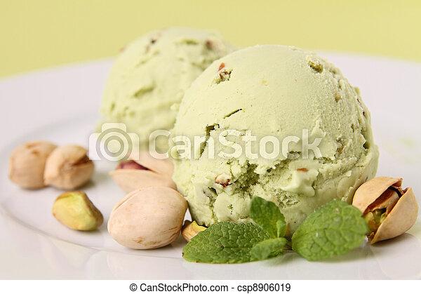 Helado de pistacho - csp8906019